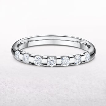 0.42ct Platinum Band Set with Seven Diamonds