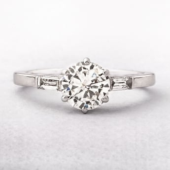 0.95ct Round Brilliant Cut Diamond Ring Set in Platinum