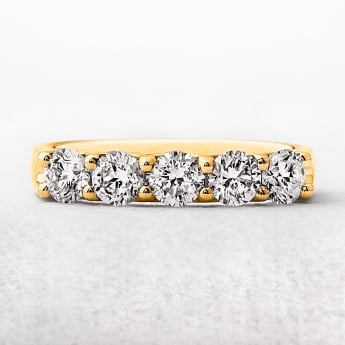 1.00ct Five Diamond Ring With Yellow Gold Band