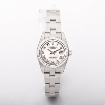 179174 Model 2005 Rolex Stainless Steel Ladies Datejust with Mother of Pearl Face On A Oyster Bracel