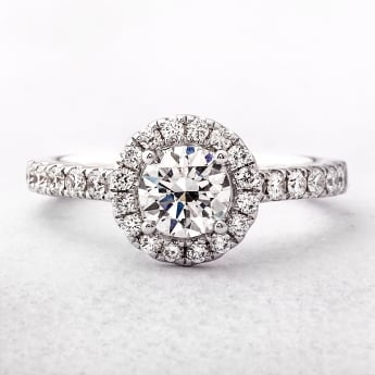 18ct White Gold Round Cut Diamond Halo Style Ring